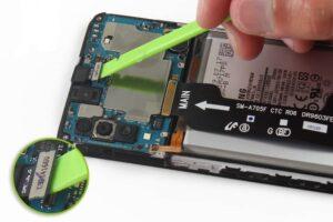 آموزش تعویض و تعمیر ویبره گوشی سامسونگ A70 12
