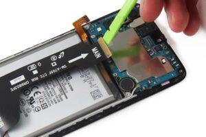 آموزش تعویض و تعمیر ویبره گوشی سامسونگ A70 14