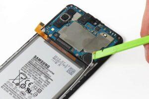 آموزش تعویض و تعمیر ویبره گوشی سامسونگ A70 15