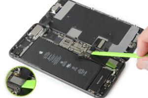 تعمیر ویبراتور گوشی آیفون 8 پلاس13