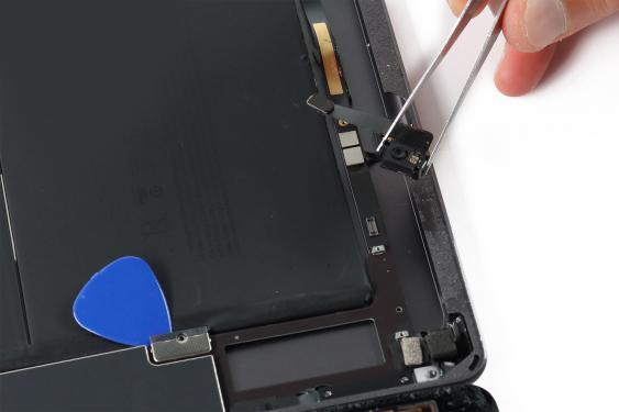 تعویض دوربین جلو آیپاد 7_12