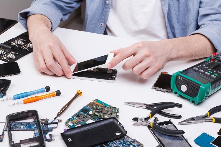 خدمات تعمیرات موبایل