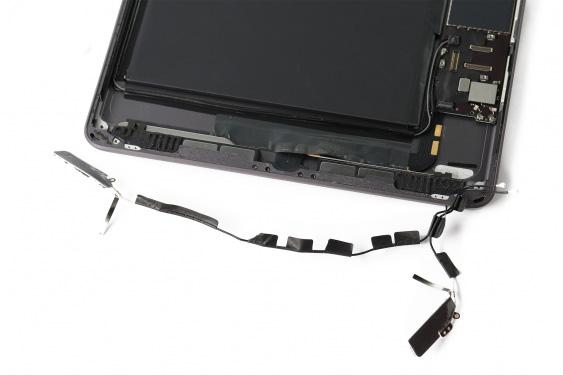 تعمیر اسپیکر سمت چپ آیپاد7_20