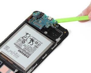 آموزش تعمیرات موبایل سامسونگ گلکسی A40 31