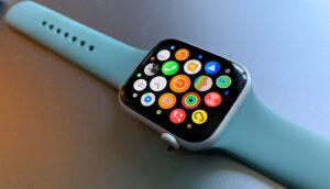 بررسی سازگاری بین اپل واچ و آیفون