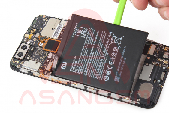 آموزش تعویض باتری Mi A1 - مرحله 10.1