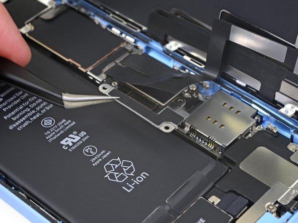 تعویض باتری آیفون XR - مرحله 12.1