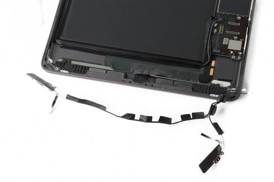 تعمیر اسپیکر سمت راست آیپاد7_20