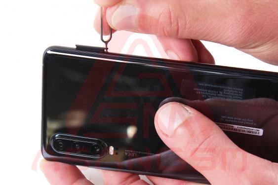 آموزش تعویض سیم آنتن wifi هواوی P30 مرحله 1-2